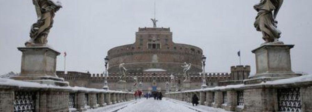 Rare Snow Storm in Rome