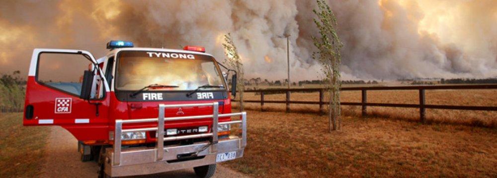 Australia Bushfires Destroy Buildings, Threaten Lives
