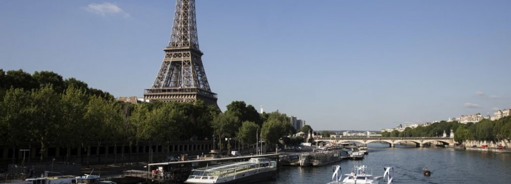 Since Wednesday, Eiffel Tower workers have been on strike .