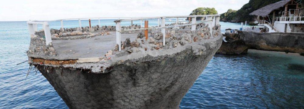 Philippines to Expedite Top Resort Island's Rehab Process