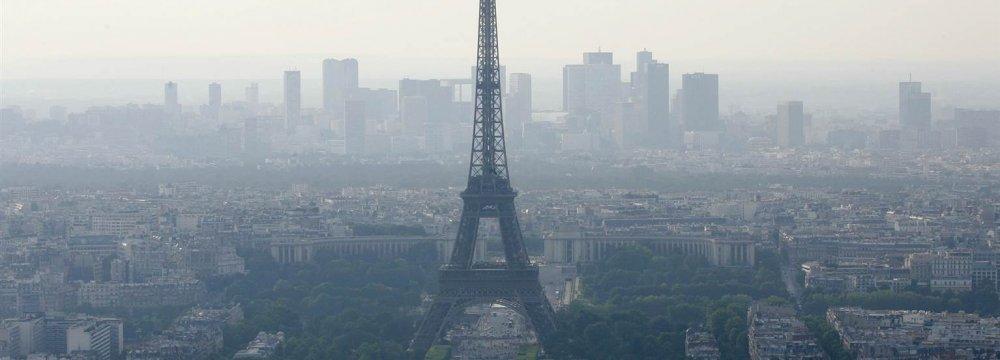 Paris Testing New  Anti-Pollution Measures