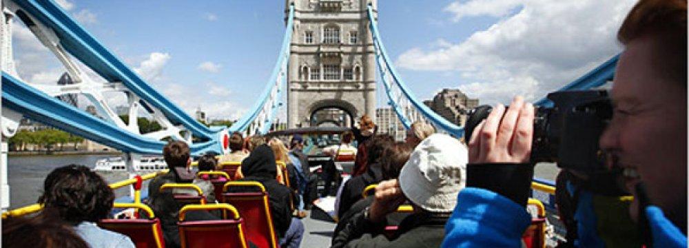 Weak Pound Helps UK Set April Travel Record