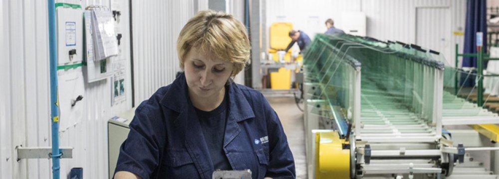 Despite Int'l Pressures, Russia Growth Rebounds
