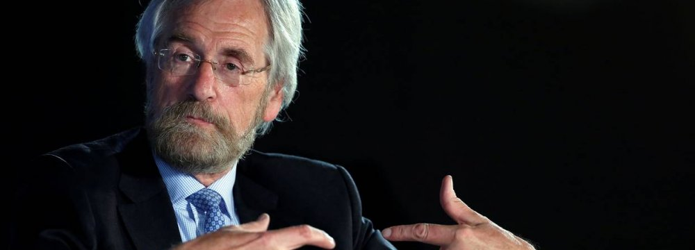 ECB's Praet: Brighter Prospects Signal Slower Pace of Asset Buys