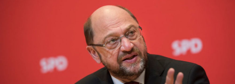 Germany's Shulz Says Eurozone Needs Joint Budget