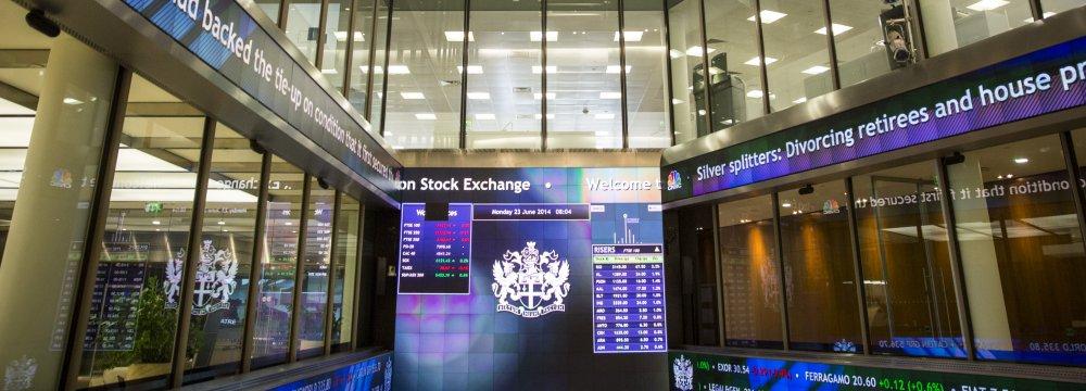 Global Stocks Slip as Investors Mull Growth