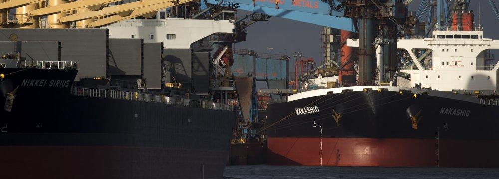 Goods trade saw a surplus of 821 billion yen, up 59.8%.