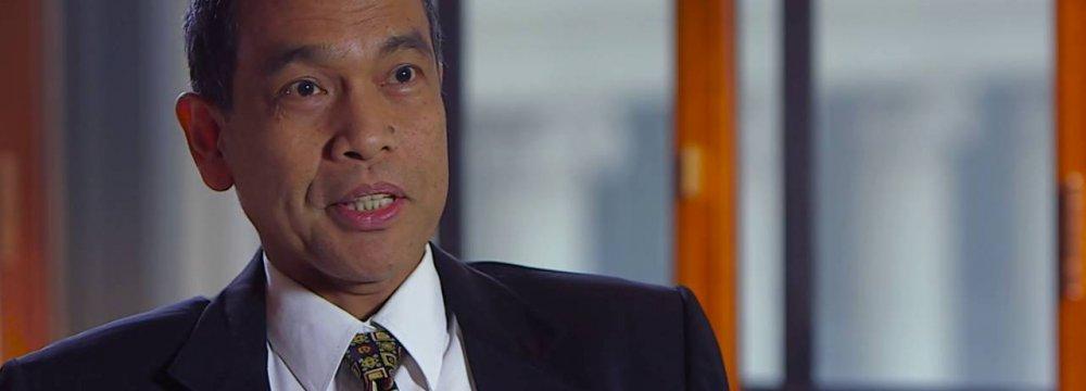 Philippine Economy Needs to Diversify