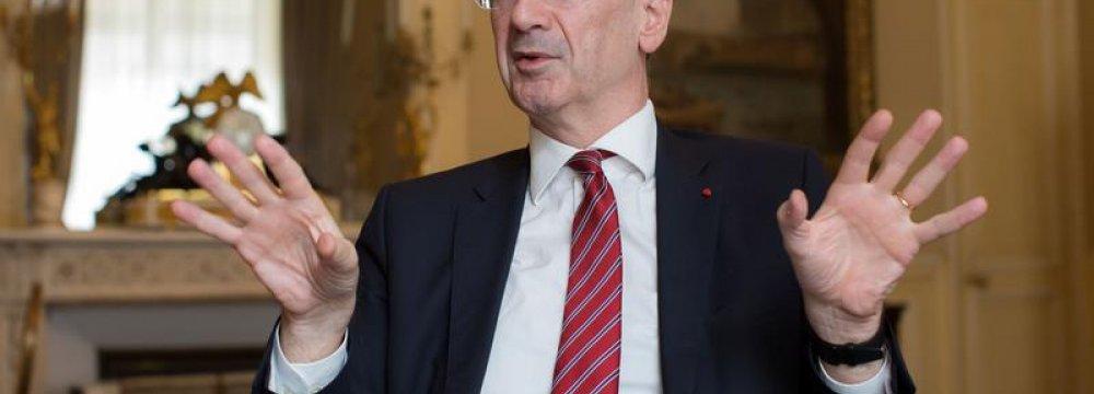 France CB Raises Growth Forecast to 1.7%