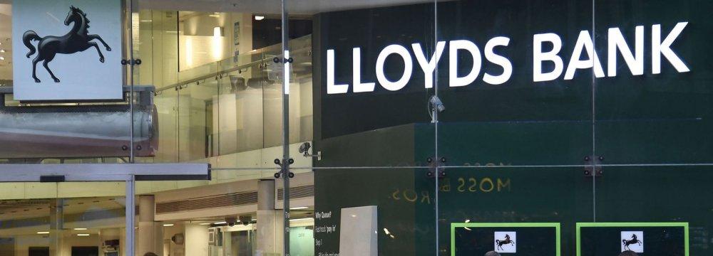 Lloyds Profit Growth Misses Expectations
