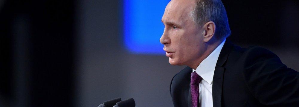 Putin Calls for De-Dollarization in Oil Trade