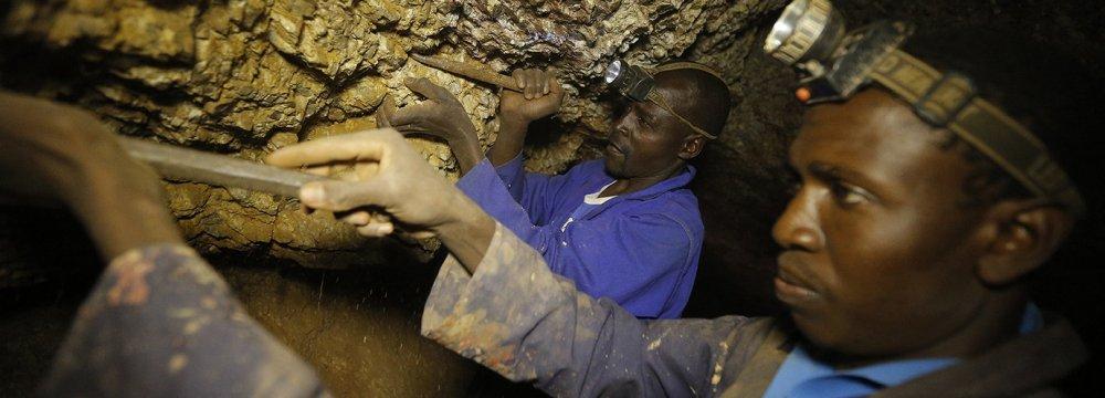 Zimbabwe  Gold Output to Surpass 30 Tons