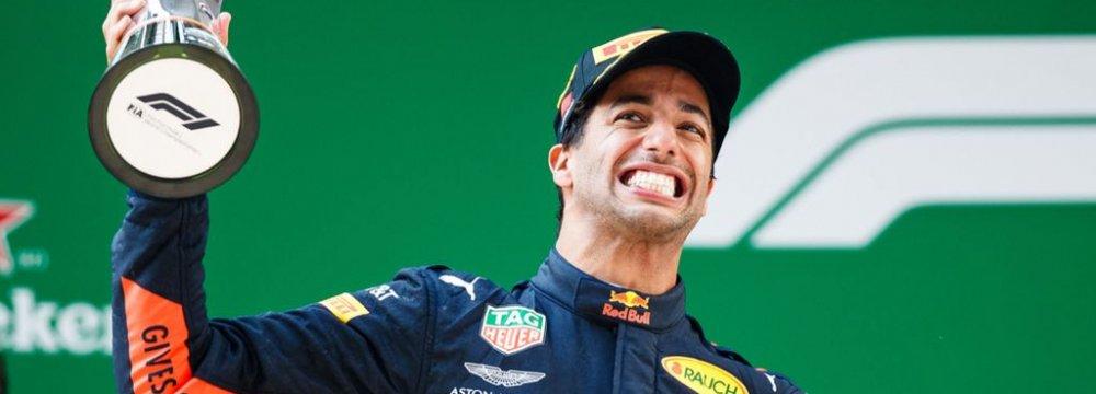 Daniel Ricciardo Takes Dramatic China Victory