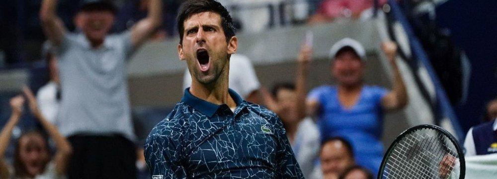 Djokovic, Federer Cruise Into US Open 4th Round