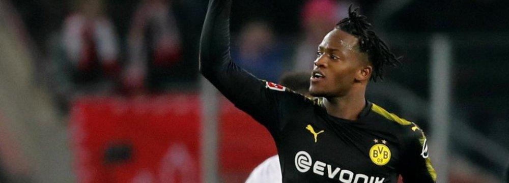 Batshuayi Scores Brace on Debut for Dortmund