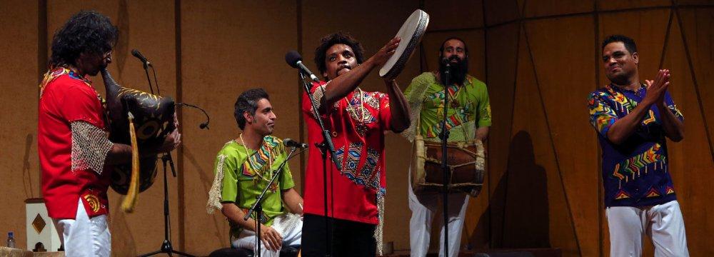 Lian ensemble in an earlier performance