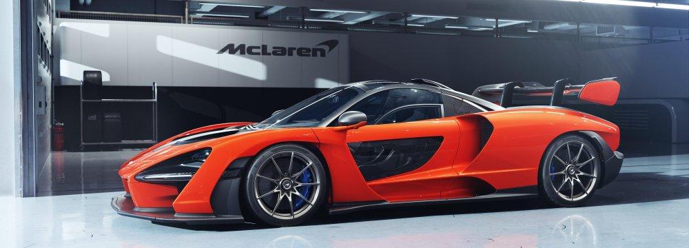 McLaren Senna side view