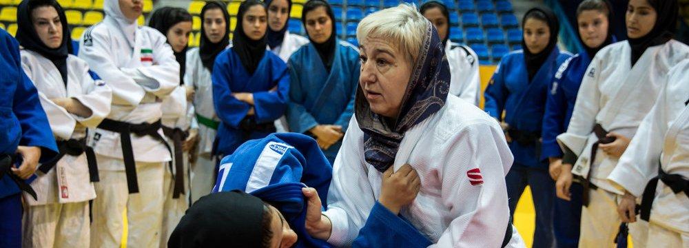 Judo Federation Hires Uzbek Coaches