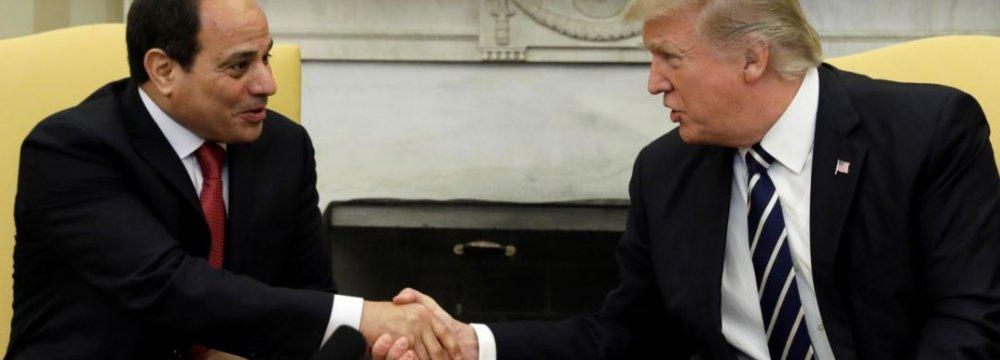 Donald Trump (R) and Abdel Fattah al-Sisi