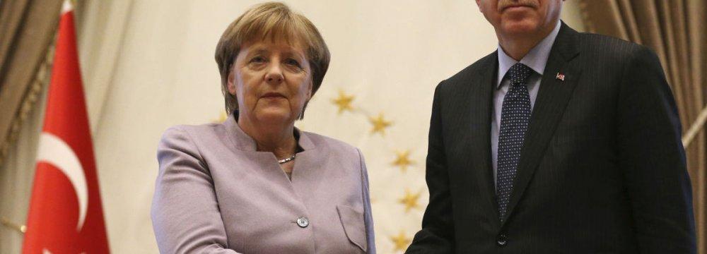 Merkel Urges Erdogan to Uphold Freedom of Opinion