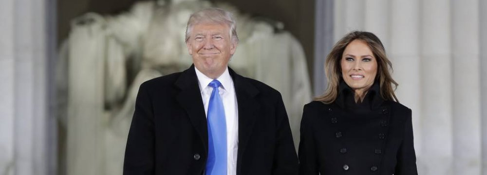 Donald Trump and his wife Melania at the Abraham Lincoln memorial