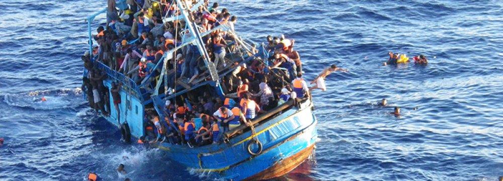 Boat Sinks off Libya Coast, 100 Feared Dead