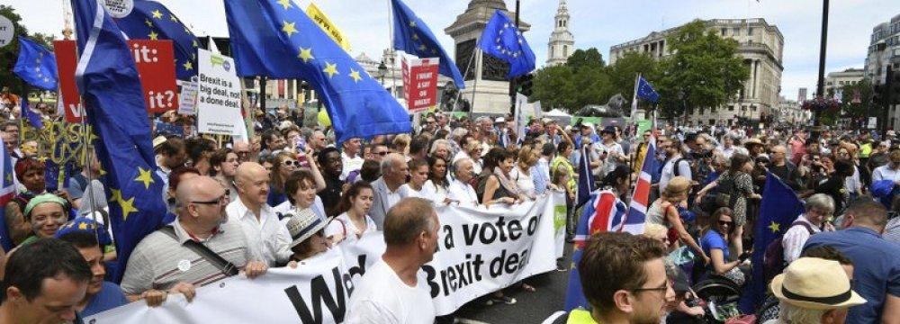 Thousands March for Brexit Deal Referendum