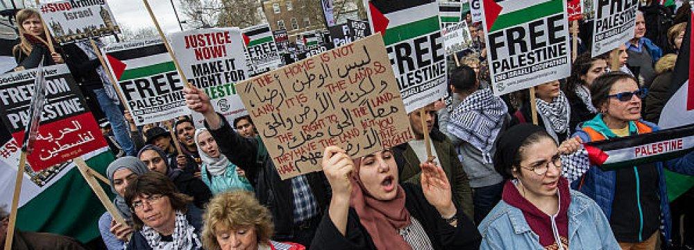 Resultado de imagem para palestinians protest