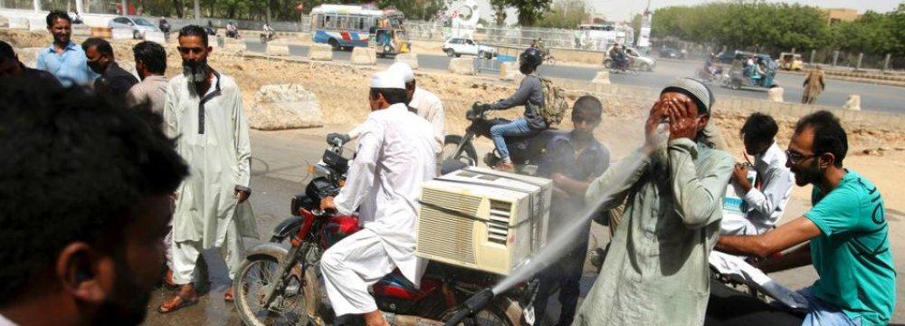 Heat Wave in Pakistan's Karachi Kills Dozens