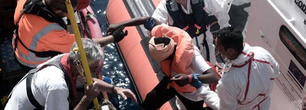 Spain Accepts Dejected Aquarius Refugees