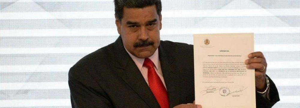 Venezuela Expels US Diplomats, Rejects Sanctions