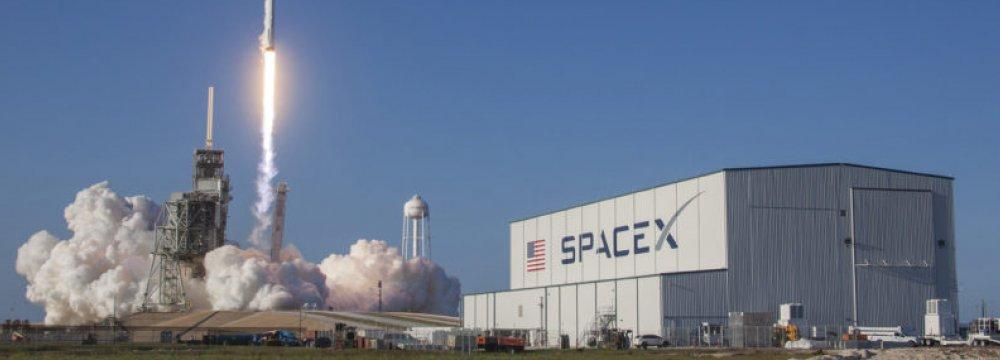 SpaceX Plans to Blow Up Rocket Over Atlantic Ocean Next Week
