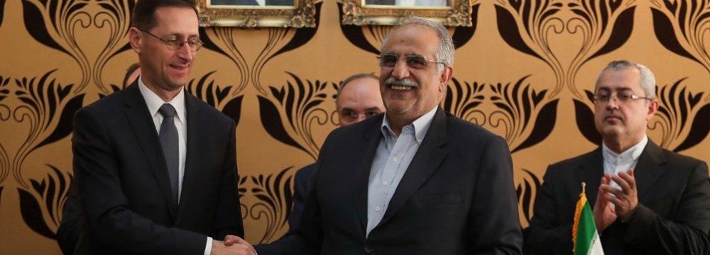Hungary's Economic  Presence in Iran Growing