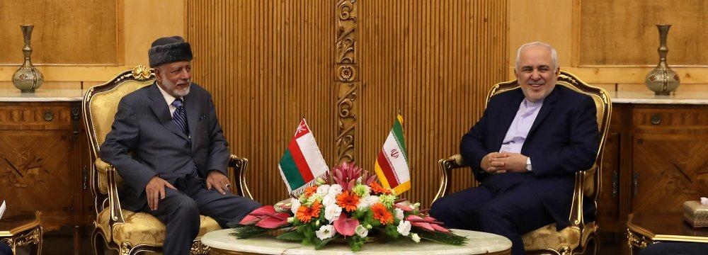 Omani FM Holds Talks in Tehran