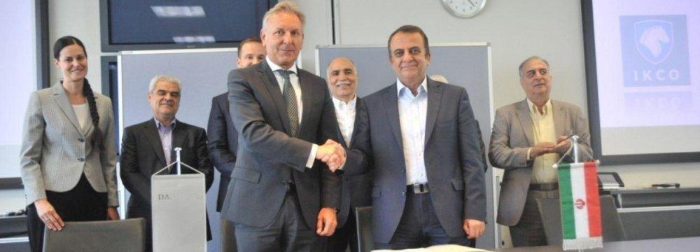 Mercedes-Benz, Iran Khodro Sign Truck Deal