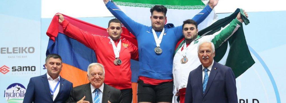 Ali Davoudi won the superheavyweight gold medal for Iran at IWF Junior Championships.