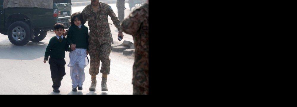 Pakistan Taliban Kill Over 140 in School Attack