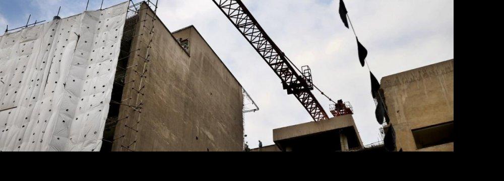 Intruding Tower Cranes