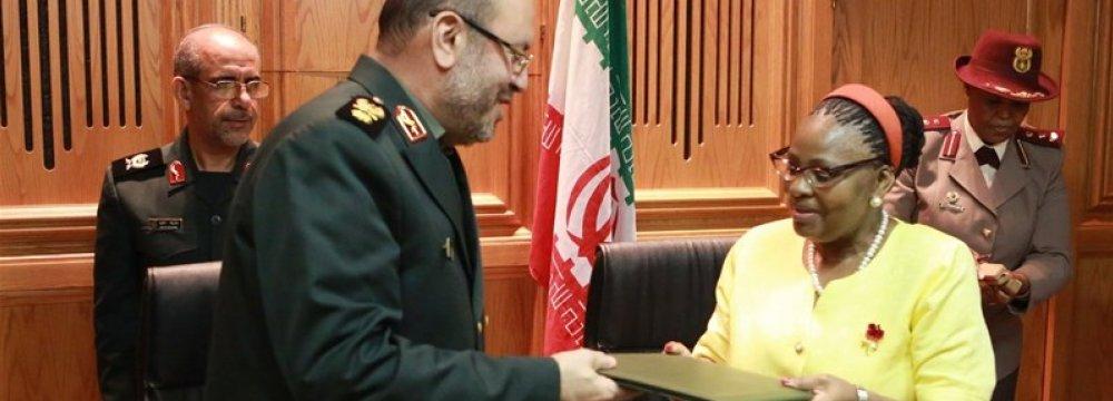 Tehran, Pretoria Strengthen Defense Ties