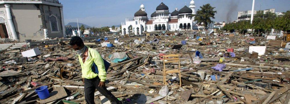 Indonesia Quake Toll Tops 90