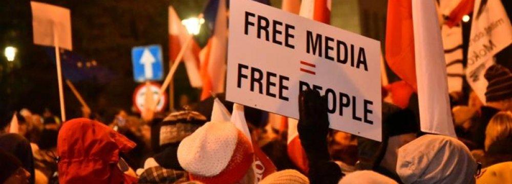 Polish Lawmakers Slam Media Restrictions