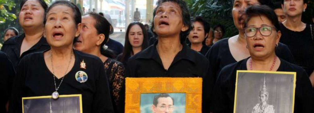 Tourists Told to Behave as Thailand Mourns