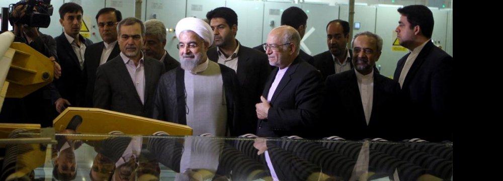 President Inaugurates Biggest Glass Manufacturer