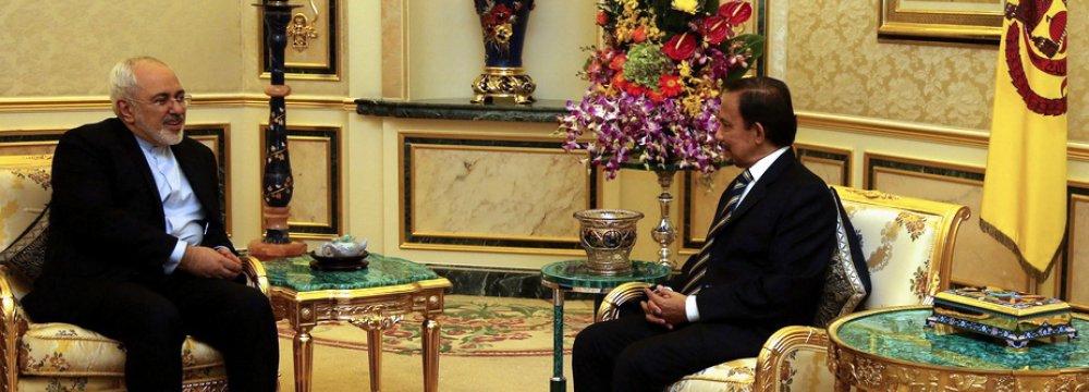 Zarif Stresses Economic Partnership With Brunei
