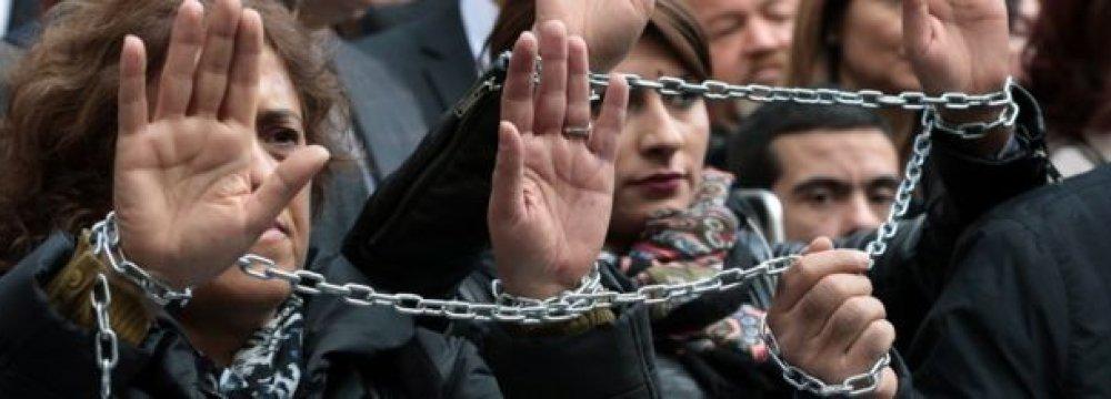 "Seized Turkey Paper Laments ""Dark Days"" of Press Freedom"