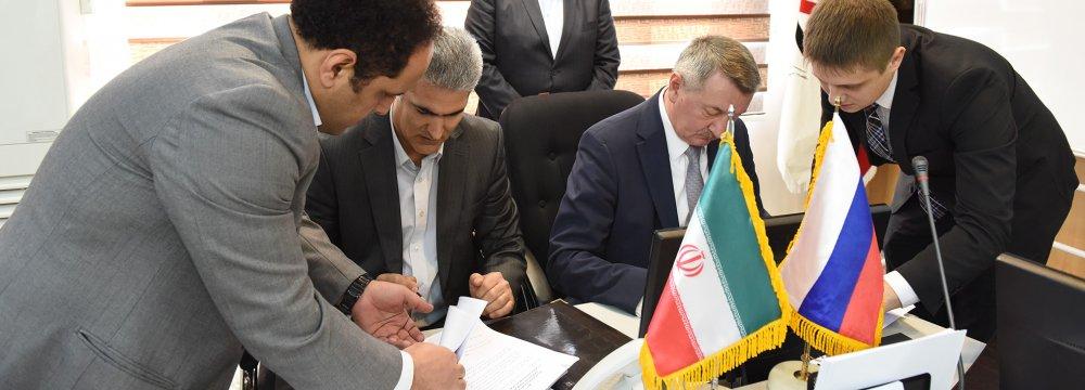 Iran, Russia Finalize Historic Customs Agreement