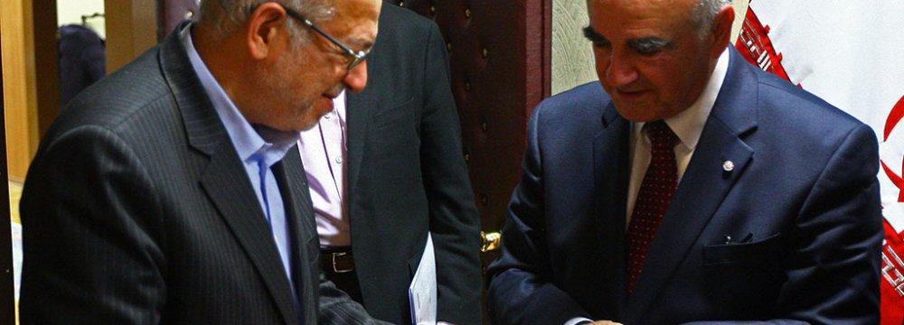 Iran, Malta Determined to Expand Economic Ties