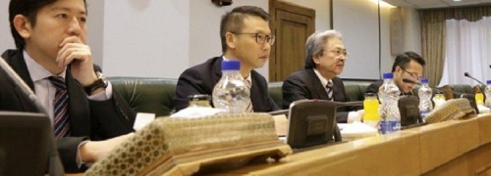 Hong Kong's Financial Secretary John Tsang (3rdL) visited the CBI on Tuesday.