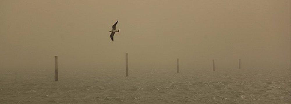 Dust Storms in Hormozgan Disrupt Flights