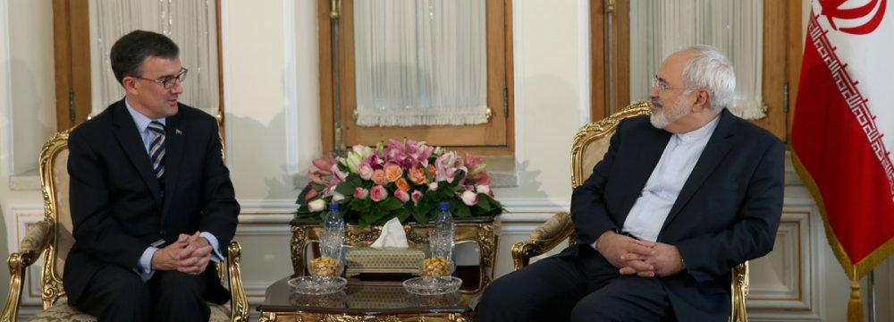 Australia Urged to Address Iranian Migrants' Problems